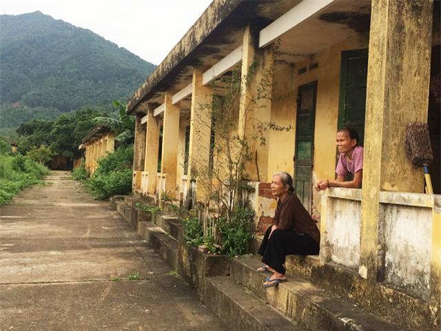 nhung manh doi bat hanh song cho chet tai trai phong bo hoang - 2