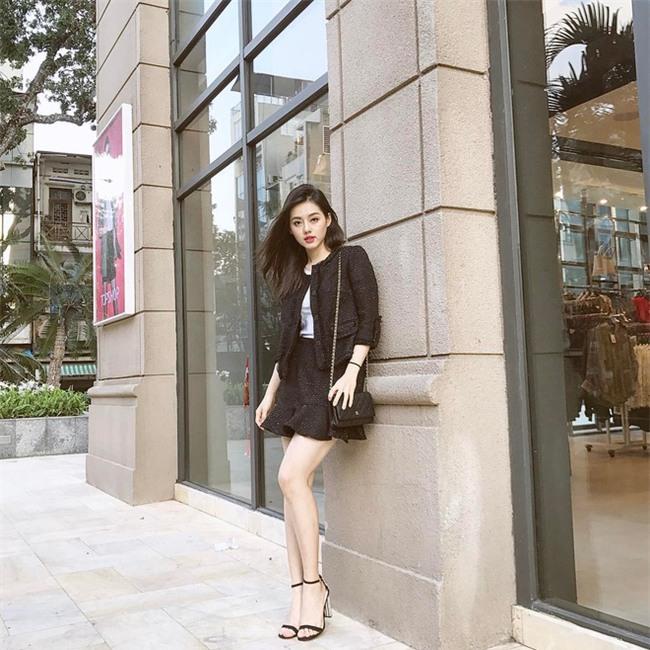 3 mẫu túi Chanel cổ điển với sức hút vượt trời gian khiến phái đẹp Việt không thể không mê - Ảnh 23.