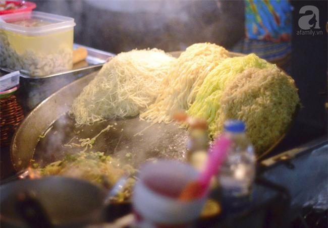 9 món ăn đến Thái Lan mà không thử thì phí cả chuyến đi - Ảnh 1.