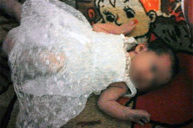 Án mạng rúng động nước Nga: Ông sát hại dã man cháu gái 18 tháng tuổi-1