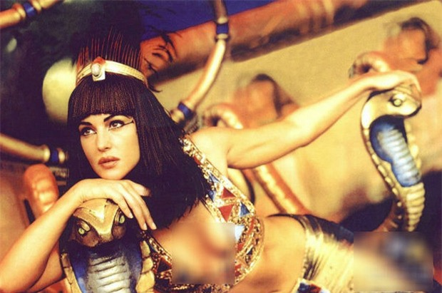 5 vũ khí bí mật mê hoặc đàn ông của Cleopatra - vị nữ hoàng quyền lực nhất Ai Cập cổ đại - Ảnh 4.