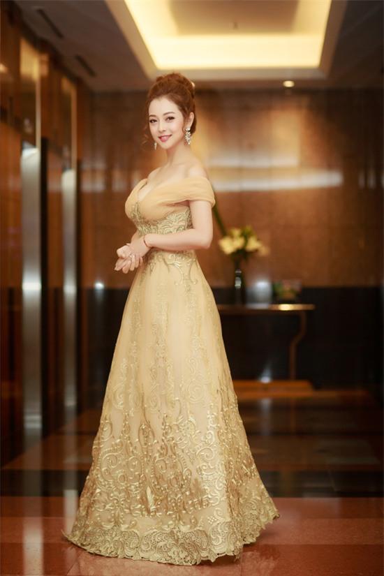 Dàn Hoa hậu - Á hậu thi nhau chiếm spotlight sao mặc đẹp trên thảm đỏ tuần này-3