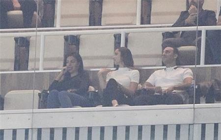 Georgina Rodriguez vừa tới theo dõi và ủng hộ bạn trai thi đấu
