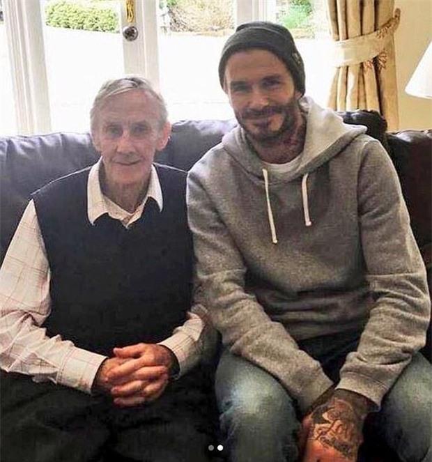 Beckham và đồng đội Thế hệ vàng 92 của Man Utd đến thăm thầy cũ lâm bệnh - Ảnh 2.