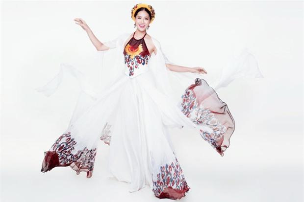 Đi thi Miss World, các người đẹp Việt thường chuẩn bị những kiểu áo dài như thế nào? - Ảnh 2.