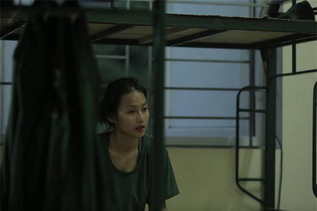 Hương Giang và Mai Ngô nhập ngũ: Quên ăn, quên ngủ nhưng kiểu gì cũng phải bôi trát đầy đủ - Ảnh 13.