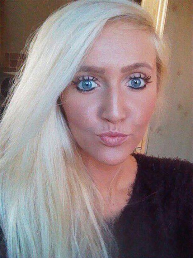Hẹn hò 5 năm không dám để người yêu nhìn mặt mộc, cô gái nghiện make up cuối cùng cũng dám lột bỏ gương mặt dối trá của mình - Ảnh 1.