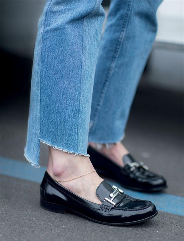 xin dung mac quan jeans rach ruoi mot cach vo toi va - 9