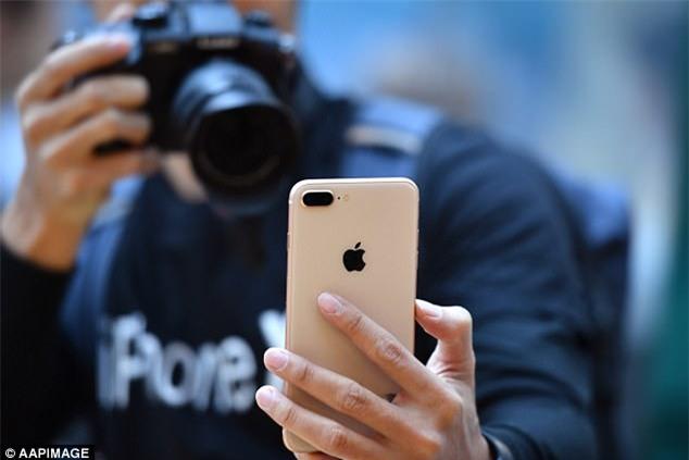 Fan cuồng iPhone: Tôi đã xếp hàng 11 ngày để mua iPhone 8 nhưng tôi chả thích nó tí nào cả - Ảnh 3.