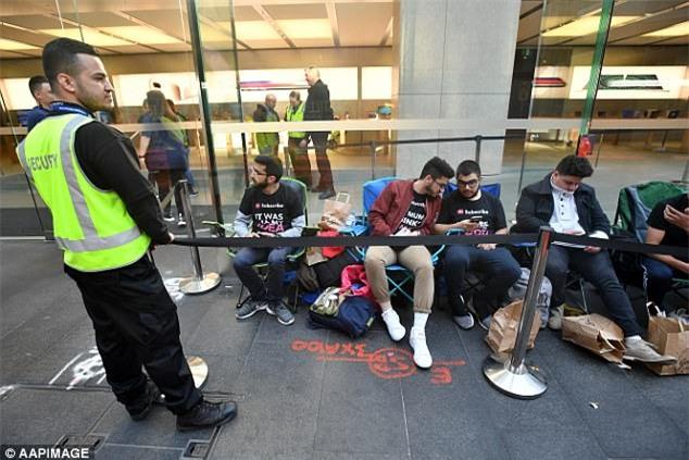 Fan cuồng iPhone: Tôi đã xếp hàng 11 ngày để mua iPhone 8 nhưng tôi chả thích nó tí nào cả - Ảnh 6.