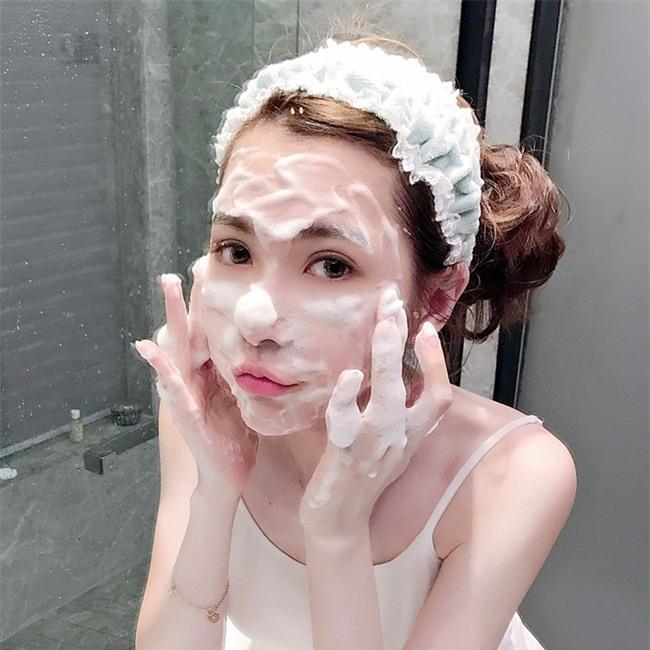 3 bước chăm sóc da cần thay đổi để da không bị bong tróc khi sang thu - Ảnh 2.
