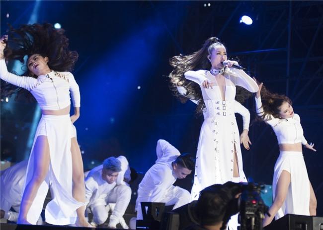 Truyền thông Hàn Quốc không ngớt lời khen ngợi Đông Nhi tại Asia Song Festival-3