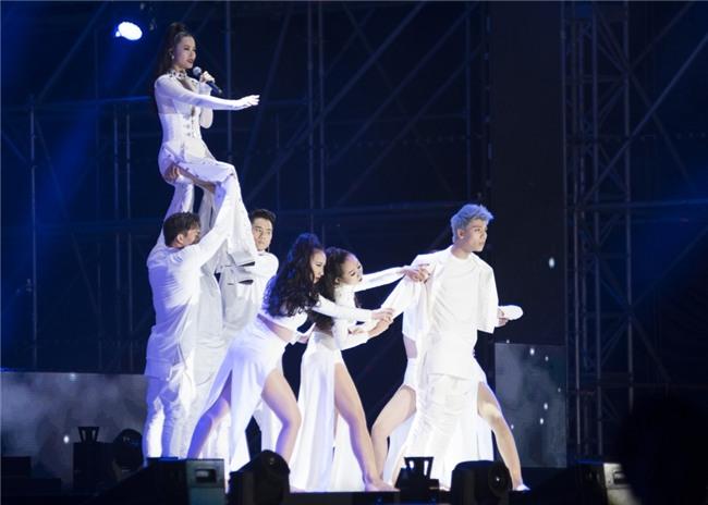 Truyền thông Hàn Quốc không ngớt lời khen ngợi Đông Nhi tại Asia Song Festival-5