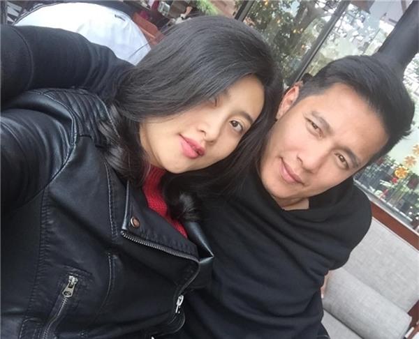 Được biết, Sỹ Mạnh cũng vừa kết hôn vào khoảng đầu tháng 7/2017 với bạn gái là người mẫu, diễn viên Trúc Nguyễn. - Tin sao Viet - Tin tuc sao Viet - Scandal sao Viet - Tin tuc cua Sao - Tin cua Sao