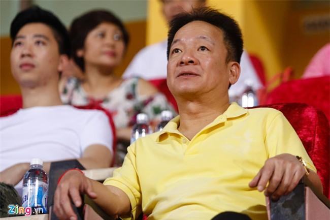Phan phao bau Duc, bau Hien de cu Hoang Anh Tuan len tuyen hinh anh 1