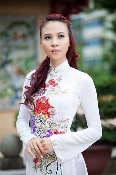 Nhan sac nguoi dep Tay vua chia se 'dinh hon' voi Cuong Do La hinh anh 12