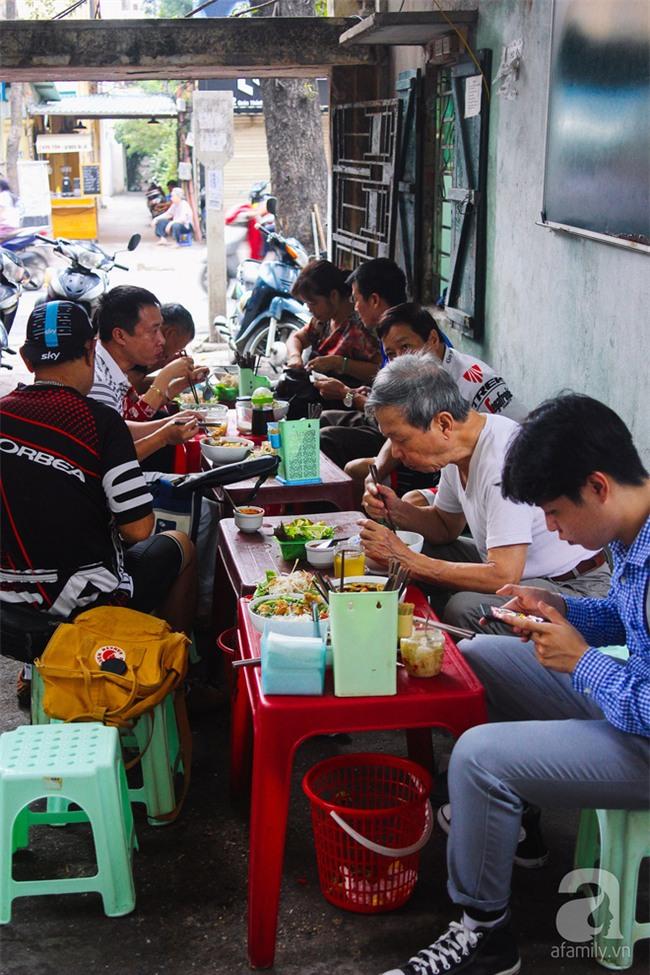 5 quán bún cá ở Hà Nội ngon đến mức, ăn một lần là mê ngay tắp lự - Ảnh 2.