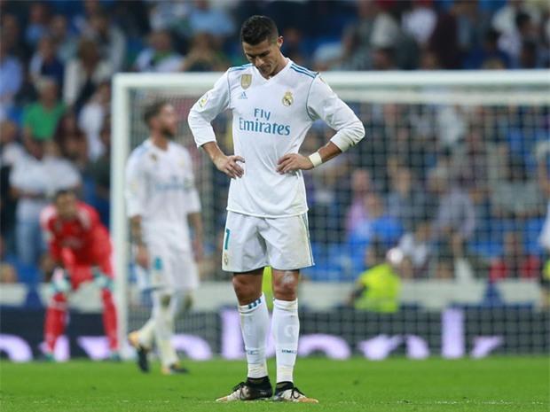 Ronaldo đang trải qua giai đoạn khó khăn nhất trong sự nghiệp - Ảnh 1.