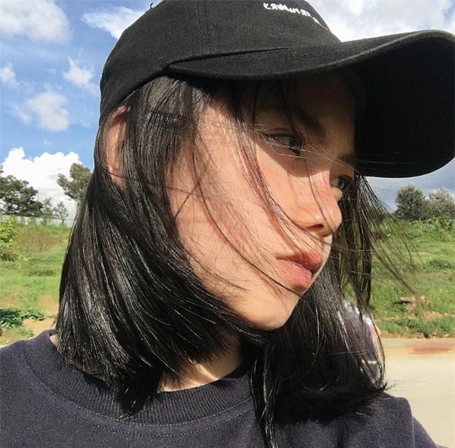 Nữ sinh Đà Lạt sở hữu góc nghiêng ăn đứt dàn hot girl Instagram Nhật - Hàn - Ảnh 2.