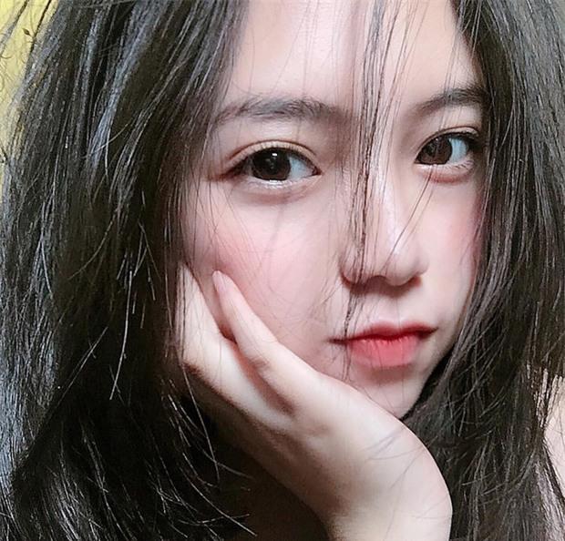 Nữ sinh Đà Lạt sở hữu góc nghiêng ăn đứt dàn hot girl Instagram Nhật - Hàn - Ảnh 8.