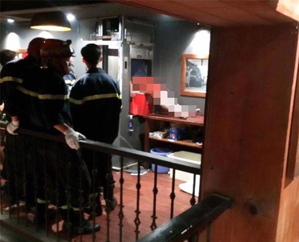 Hà Nội: Kẹt trong thang máy vận chuyển đồ ăn tại nhà hàng, một người tử vong - Ảnh 1.
