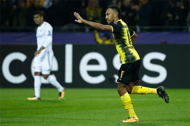 Aubameyang ghi bàn rút ngắn tỷ số cho Dortmund