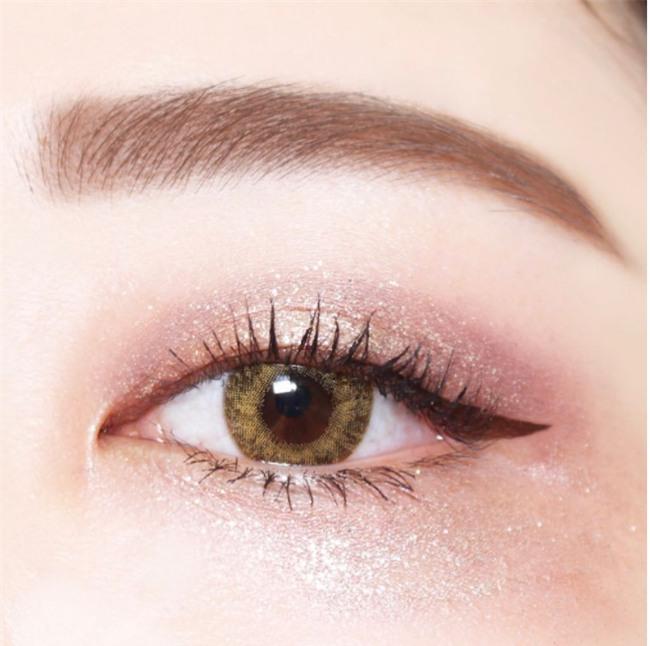 8 xu hướng makeup được dự đoán sẽ tạo nên cơn sốt trong mùa thu 2017 - Ảnh 1.