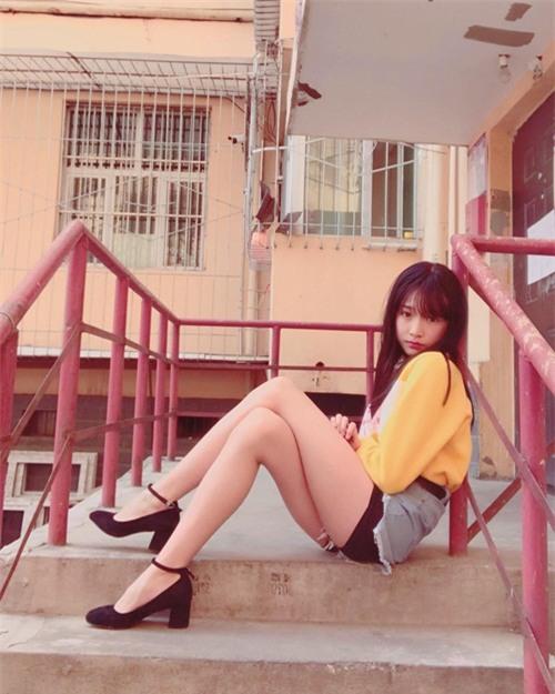 hot girl 15 tuoi tiet lo bi mat khien hang loat dan ong tren the gioi khoc rong - 2