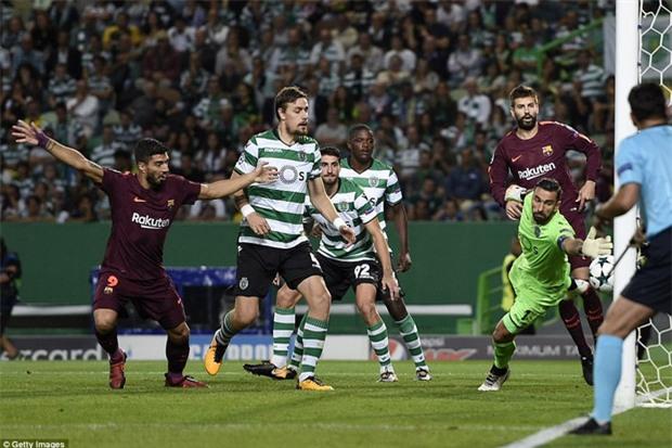 Messi tịt ngòi, Barca lại ăn may nhờ đối thủ tự đốt lưới nhà - Ảnh 4.