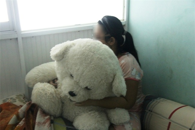 Bé gái 16 tuổi bị anh rể dùng vũ lực để hiếp dâm đã sinh con gái được 10 ngày tuổi - Ảnh 4.