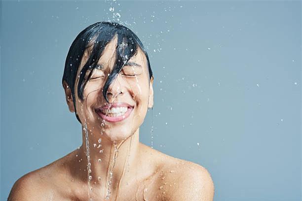 Đừng bao giờ rửa mặt buổi sáng: Bí kíp trói chặt thanh xuân của mỹ nhân không tuổi Hollywood - Ảnh 6.