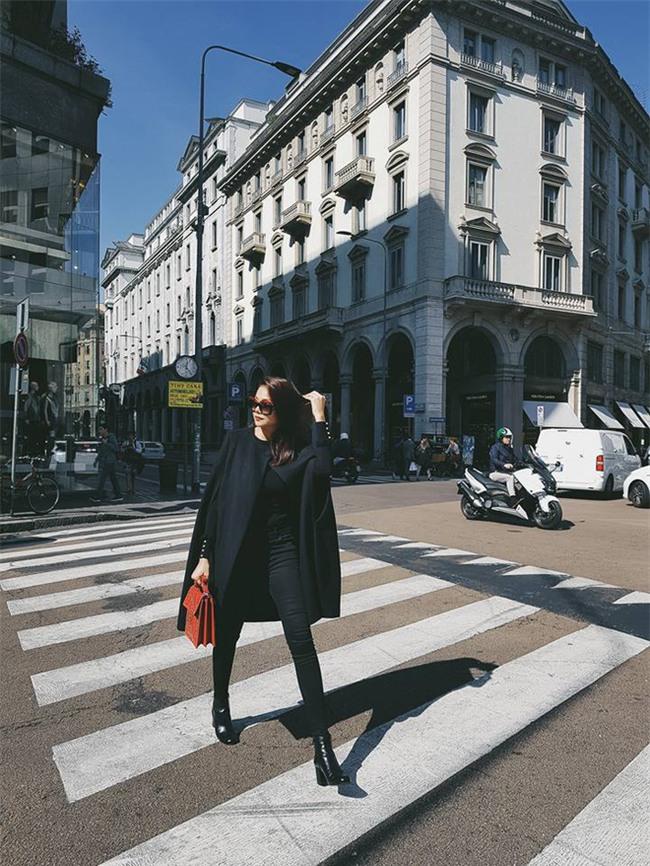 Chán trong nước, sao Việt sang hẳn trời Tây để đọ dáng street style - Ảnh 8.