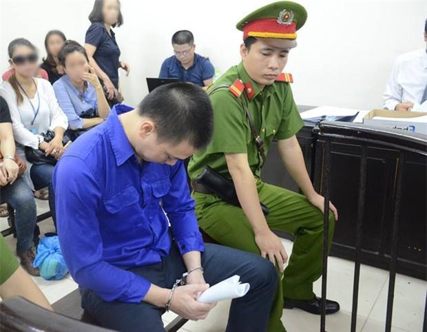 Cập nhật: Xét xử vụ cựu nhân viên ngân hàng Cao Mạnh Hùng dâm ô bé gái 8 tuổi ở Hà Nội - Ảnh 1.
