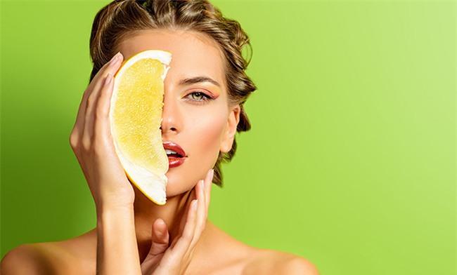 ly do khien vitamin c tro thanh than duoc cho da duoc hang trieu phai dep ao uoc - 2