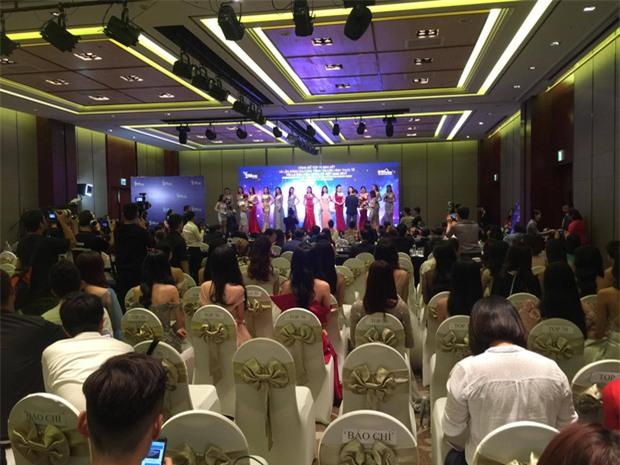 BTC Hoa hậu Hoàn vũ Việt Nam 2017 nói gì về việc Phạm Hương đến trễ hơn 1 tiếng? - Ảnh 3.