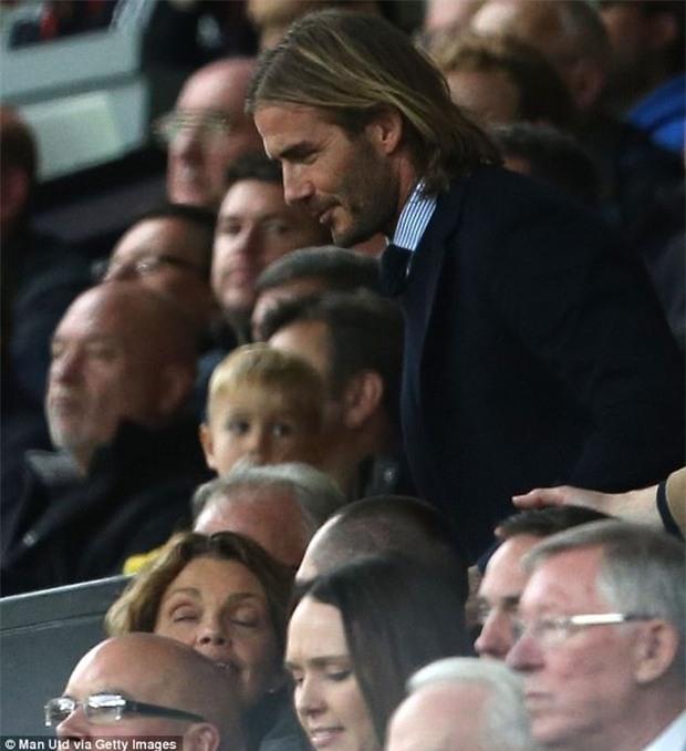 David Beckham tóc dài lãng tử xuất hiện ở Nhà hát của những giấc mơ - Ảnh 2.