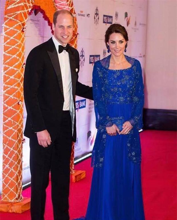 Hoàng tử William chẳng bao giờ nắm tay Công nương Kate ở nơi công cộng, nhưng lại luôn có hành động ngọt ngào này - Ảnh 9.