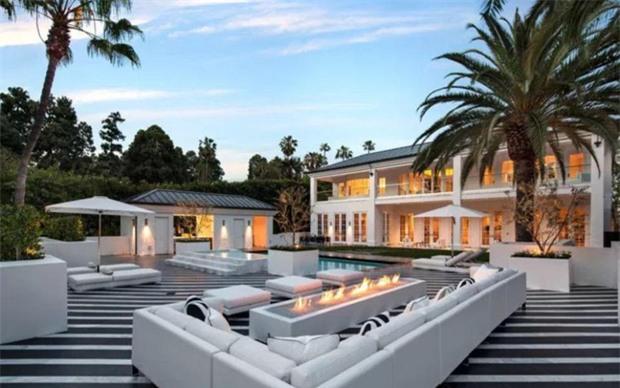 Mayweather khoe tiền kiếm cả sự nghiệp vượt 1 tỷ đôla - Ảnh 3.