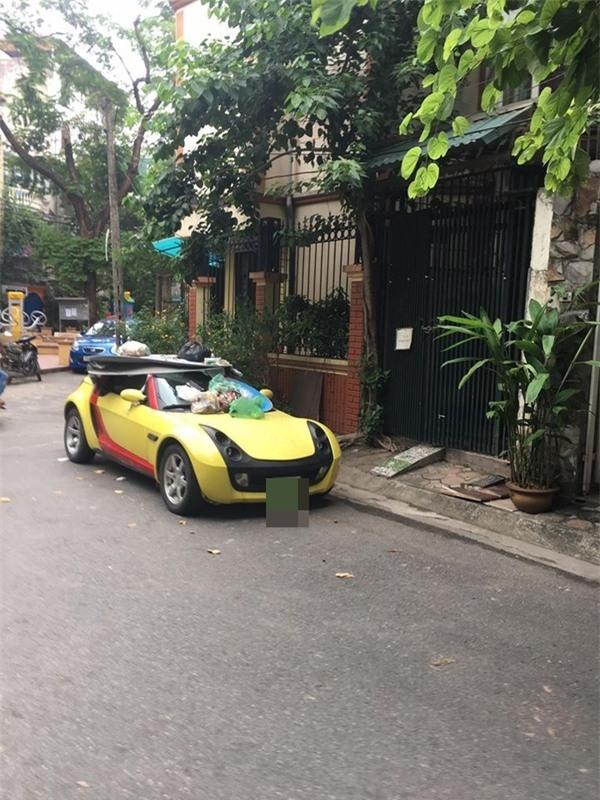 Đỗ xe thiếu ý thức, tài xế Smart Roadster nhận ngay món quà đắt giá - Ảnh 2.