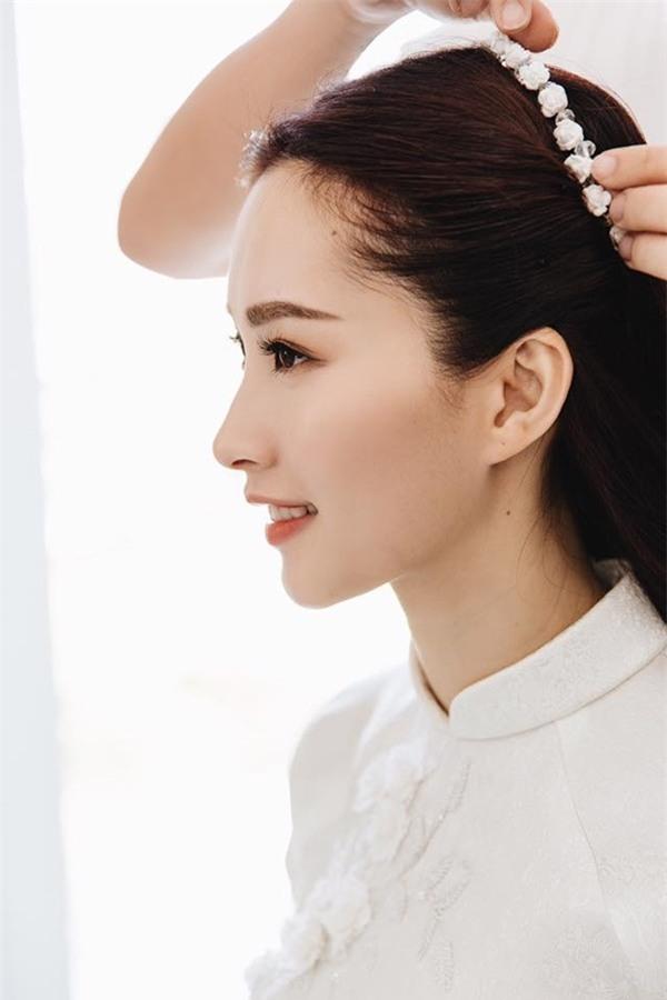 Hoa hậu Đặng Thu Thảo đẹp rạng rỡ bên chồng trong lễ ăn hỏi tại nhà riêng-4