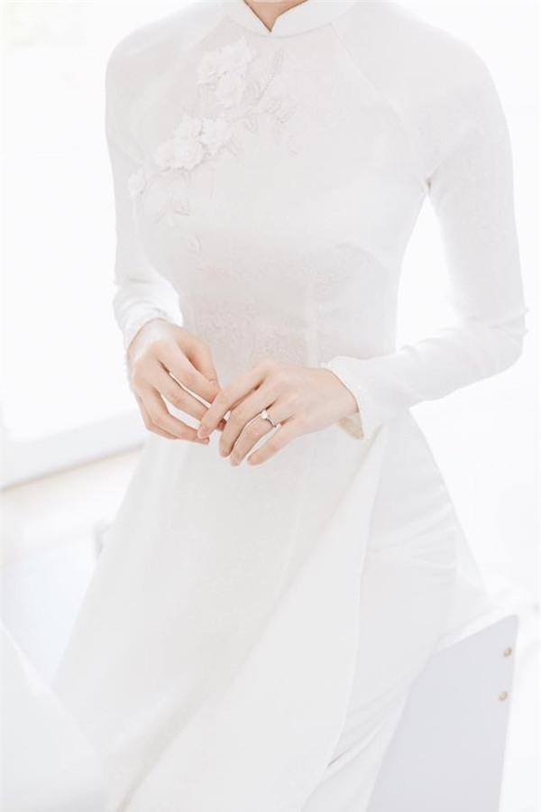 Hoa hậu Đặng Thu Thảo đẹp rạng rỡ bên chồng trong lễ ăn hỏi tại nhà riêng-5