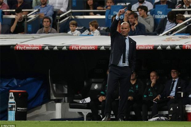 Ronaldo làm nền cho Isco, Real tiếp tục đeo bám Barca - Ảnh 12.