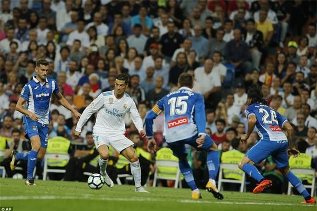 Ronaldo làm nền cho Isco, Real tiếp tục đeo bám Barca - Ảnh 4.