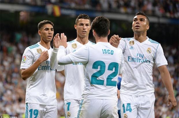 Ronaldo làm nền cho Isco, Real tiếp tục đeo bám Barca - Ảnh 9.