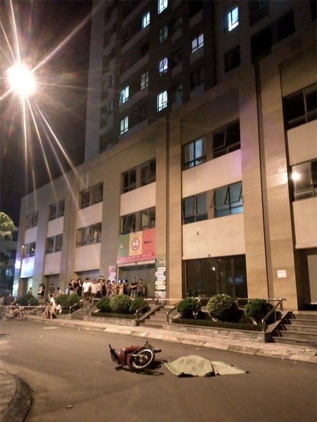 Hà Nội: Người phụ nữ trẻ rơi từ tầng 25 chung cư tử vong tại chung cư Tân Tây Đô - Ảnh 2.