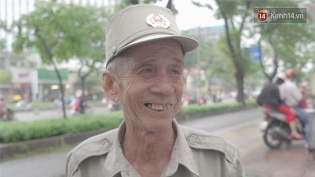 Chuyện chưa kể về bác bảo vệ mà học sinh chuyên Lê Hồng Phong cúi đầu chào mỗi ngày: Hiệp sĩ xích lô 21 lần bắt cướp - Ảnh 2.