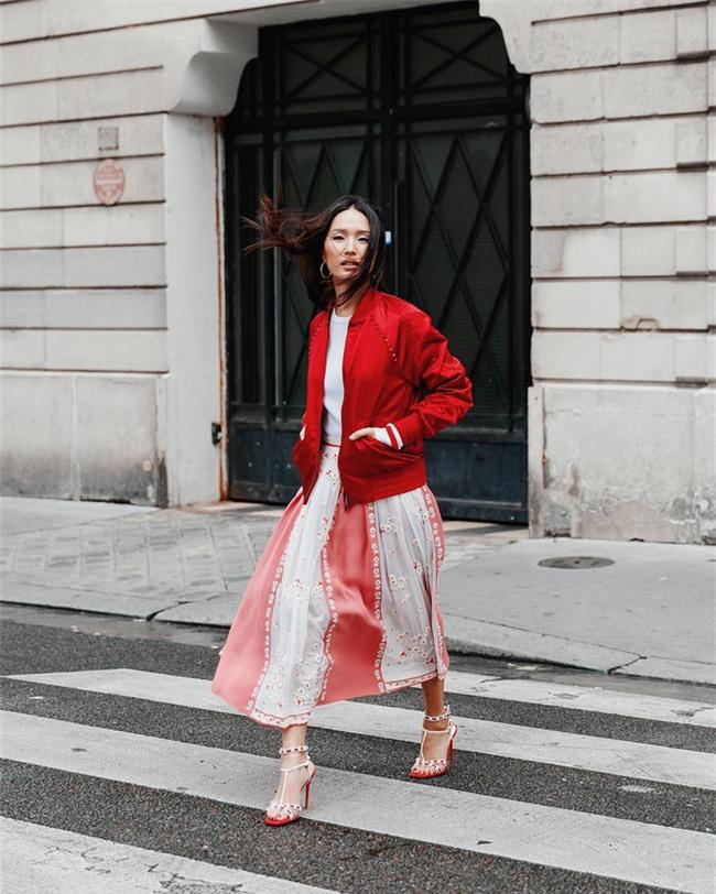 Ngắm loạt streetstyle siêu chất của quý cô châu Á khi đi dự Fashion Week - Ảnh 10.