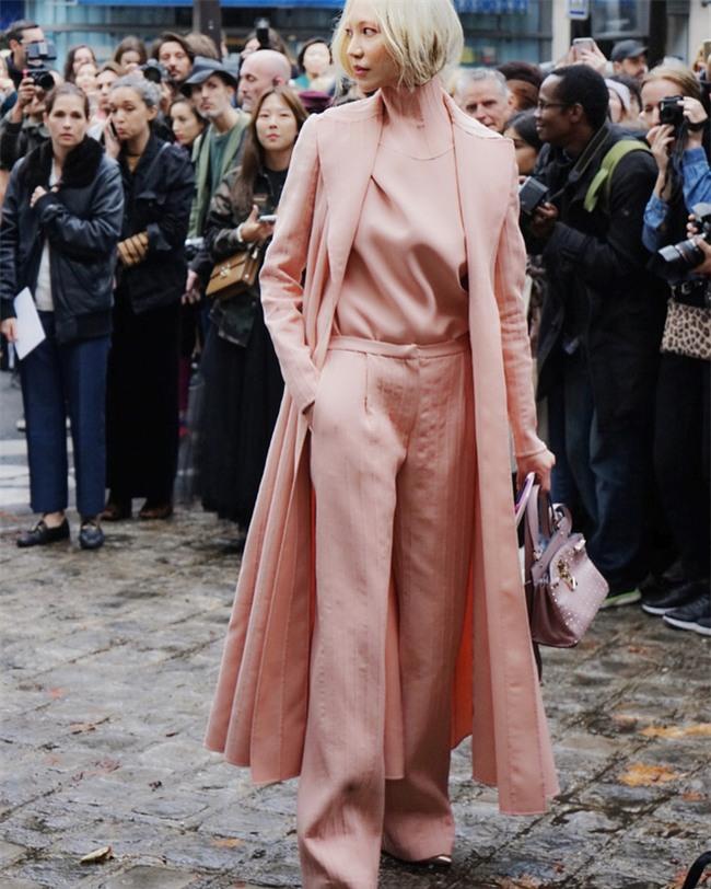Ngắm loạt streetstyle siêu chất của quý cô châu Á khi đi dự Fashion Week - Ảnh 7.