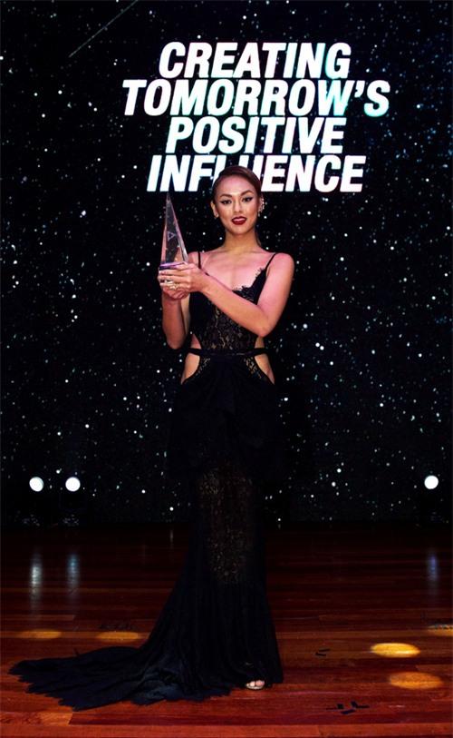 Mai Ngô là ai, hot thế nào mà bắt giám khảo Hoa hậu Hoàn vũ Việt Nam phải Google search? - Ảnh 7.
