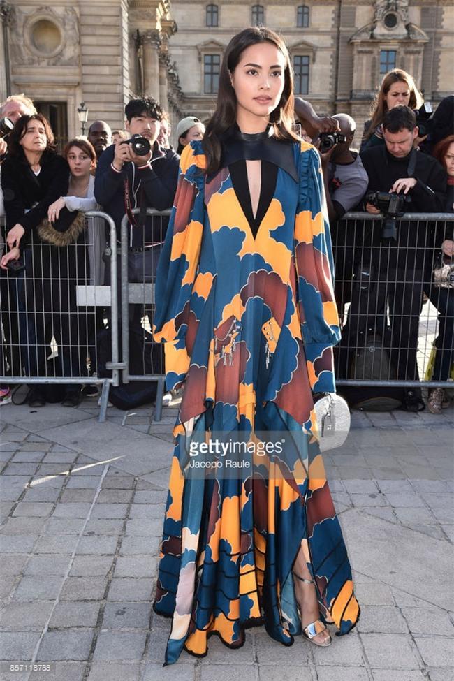 Phạm Băng Băng chơi hẳn màu tóc khói bạc xuất hiện cực chất tại show diễn của Louis Vuitton - Ảnh 5.